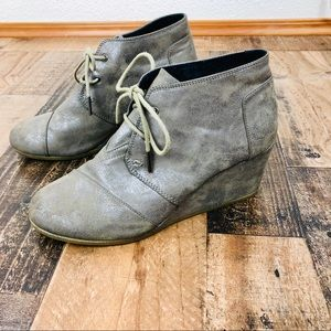Toms Wedge  Booties with Laces Size 10